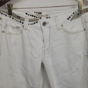 """Miss Me white Jean's sz 31. Bootcut length 33"""""""